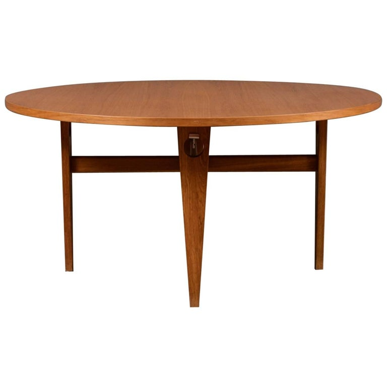 """Round Oak Dining Table with Recessed """"Keyhole"""" Tapered Legs by Hans J. Wegner"""