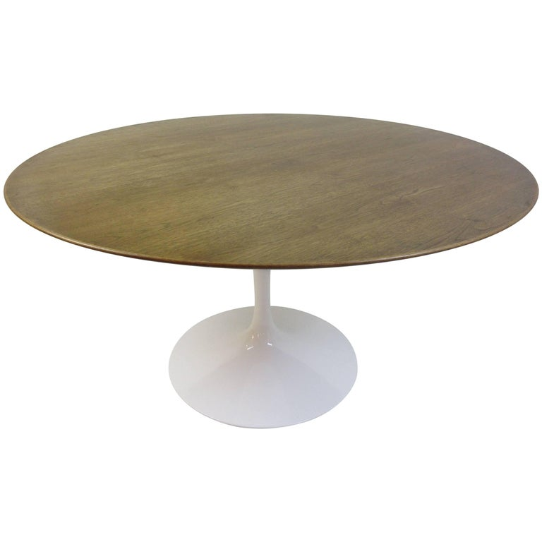Eero Saarinen Knoll Walnut Pedestal Dining Table For Sale