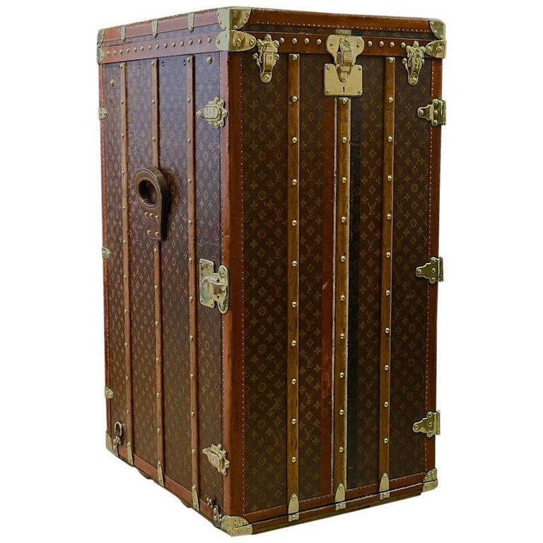 exceptionally large louis vuitton wardrobe trunk c1916 - Wardrobe Trunk