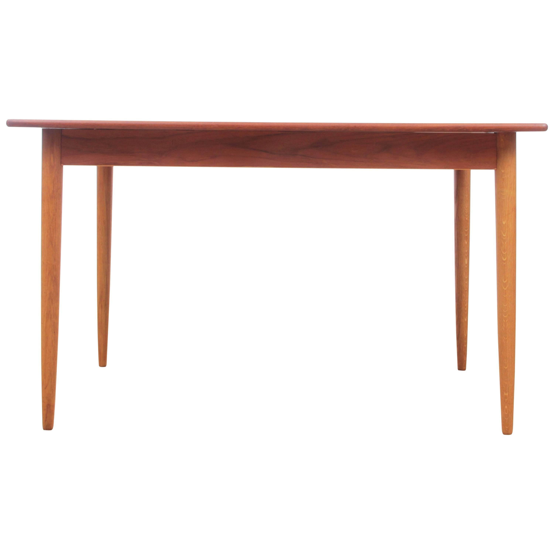 Mid-Century Modern Scandinavian Dining Table in Teak and Oak, 4/8 Seats