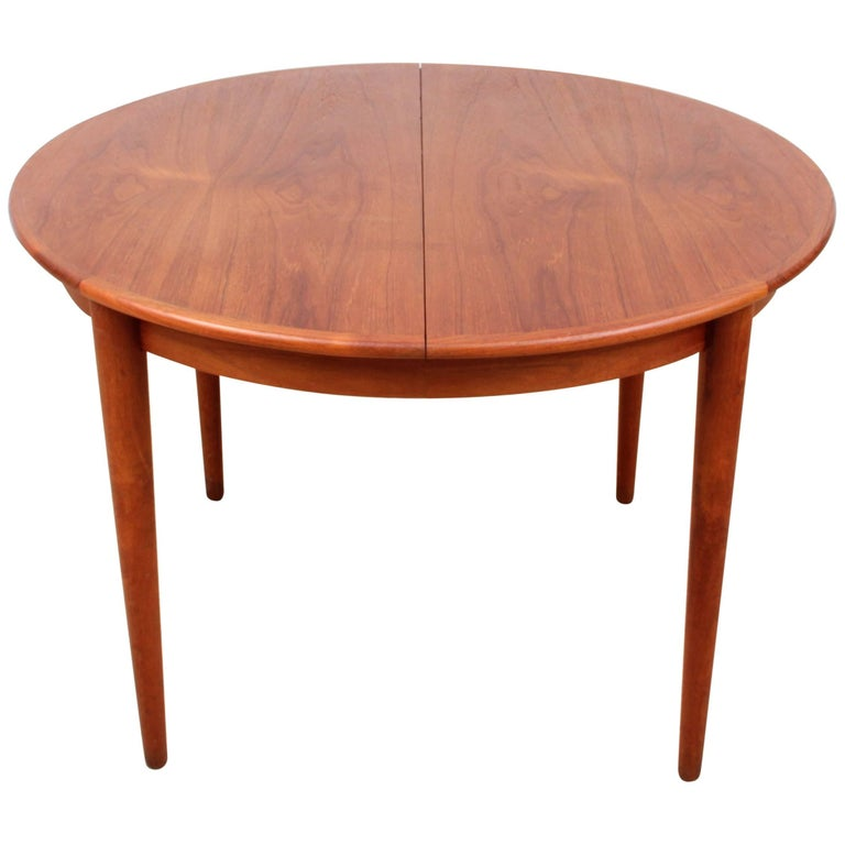 Mid Century Modern Scandinavian Round Dining Table In Teak For