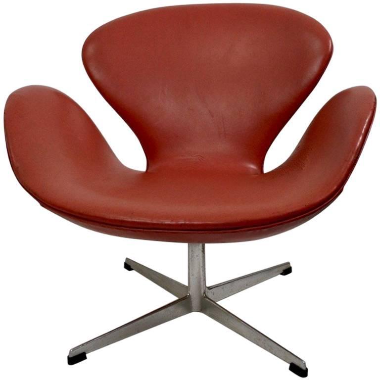 Charmant Arne Jacobsen Swan Chair For Fritz Hansen For Sale
