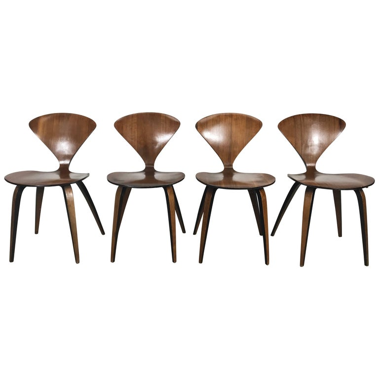 Set of Four Classic Modern Plywood Side Chairs by Norman Cherner for Plycraft