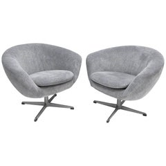 Pair of Mid-Century Modern Overman Sweden Pod Swivel Lounge Chairs Armchairs