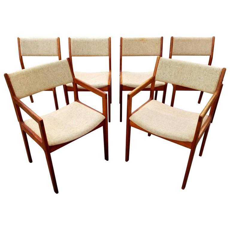 Teak danish modern dining chairs by d scan set of six for for Dscan dining room set