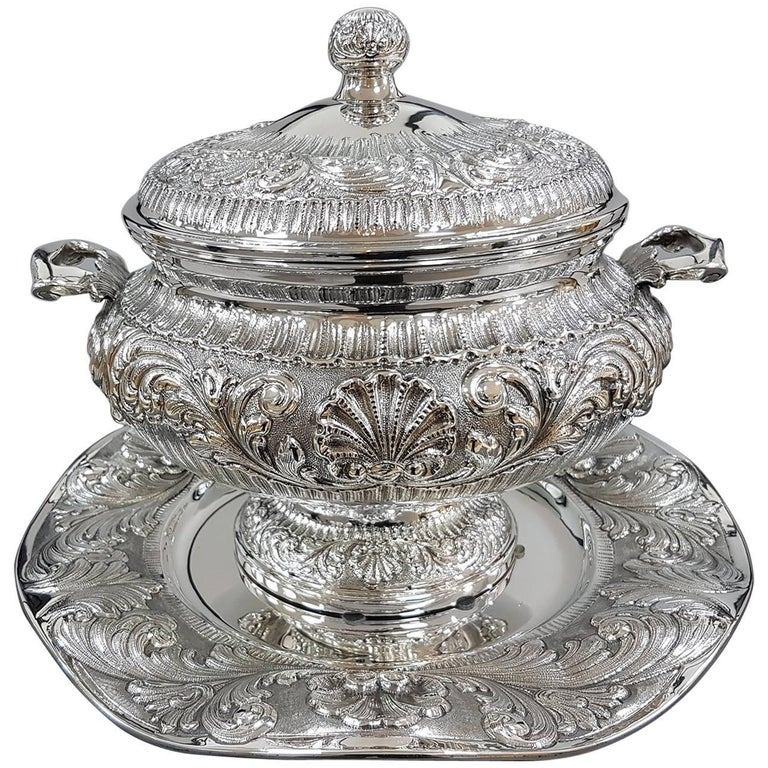20th Century Italian Stering Silver Baroque revival round Tureen plus dish For Sale