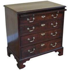 18th Century George III Mahogany Chest of Drawers of Small Proportions
