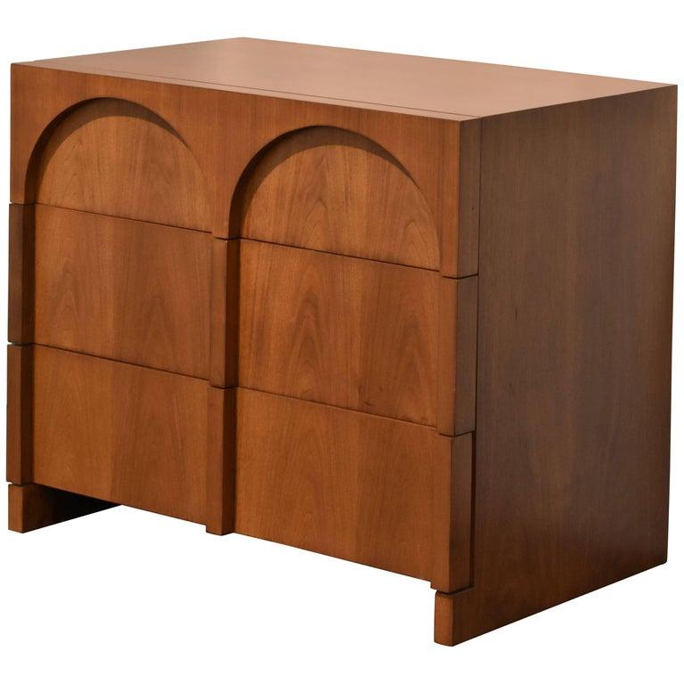 T.H. Robsjohn-Gibbings Walnut Colosseum Dresser or Cabinet for Widdicomb, 1950s For Sale