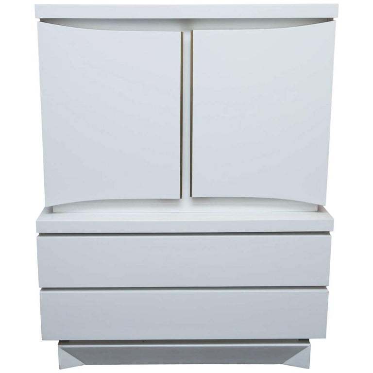 Mid-Century Modern White Lacquered Highboy Dresser For Sale