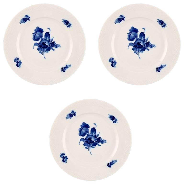 Three Royal Copenhagen Blue Flower Braided Large Dinner Plates For Sale  sc 1 st  1stDibs & Three Royal Copenhagen Blue Flower Braided Large Dinner Plates For ...
