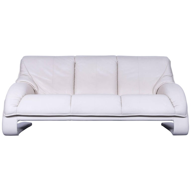 himolla designer sofa leather cr me beige three seat couch germany swing for sale at 1stdibs. Black Bedroom Furniture Sets. Home Design Ideas