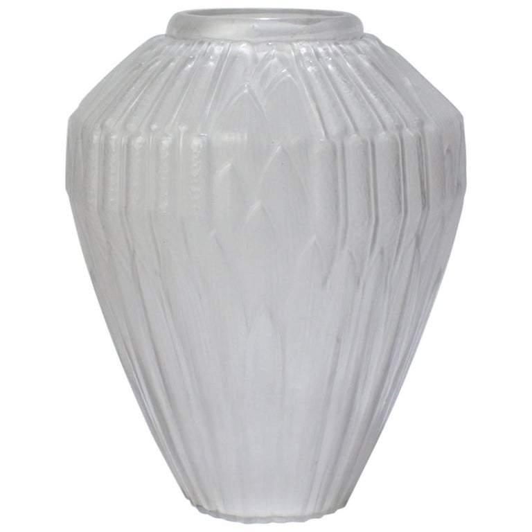 Very Large French Art Deco Frosted Glass Cattails Vase by Hunebelle, 1930s