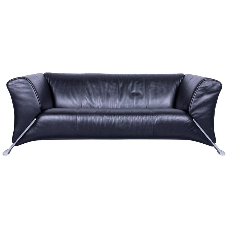 Rolf benz 322 designer sofa black two seat leather modern couch metal feet for sale at 1stdibs Rolf benz 322 sofa