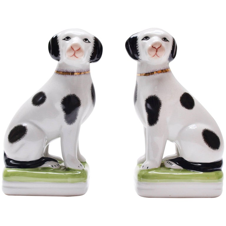 A Pair of English 20th Century Painted Mantle Dog Ornaments For Sale