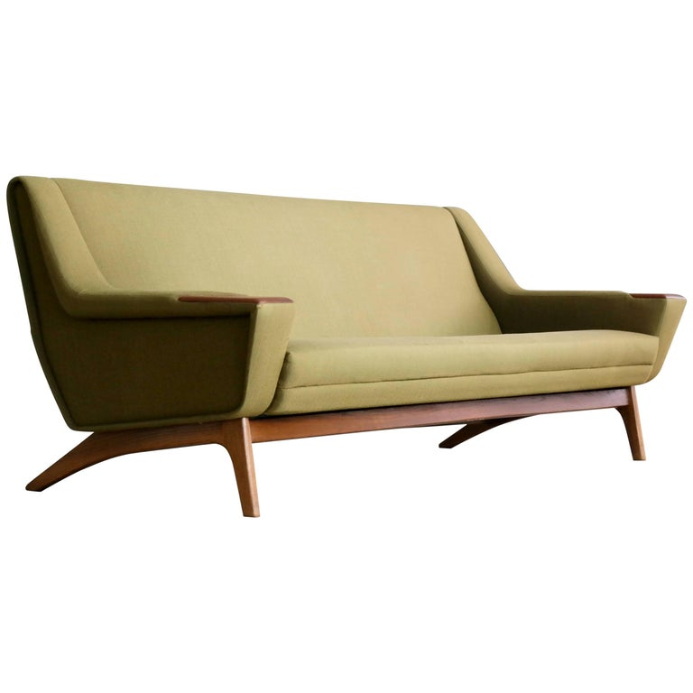 Freeform Sofa In Green Wool By Isamu Noguchi For Vitra At