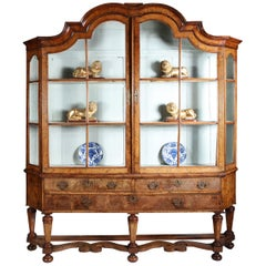 Early 18th Century Dutch Burr Walnut Huguenot Display Cabinet, circa 1720