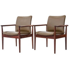 Finn Juhl famous 1960s Diplomat Chairs in Rosewood and Leather for France & Son