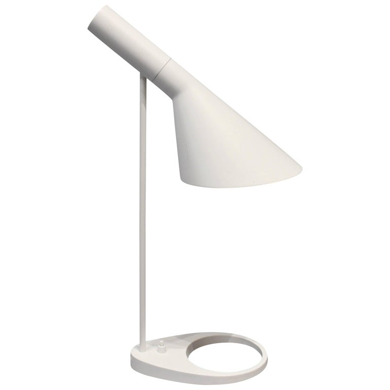 Arne Jacobsen, White Table Lamp, Designed in 1960 and by Louis Poulsen