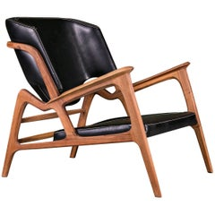 Tisa Armchair, Contemporary Lounge Chair In Walnut And High Quality Leather