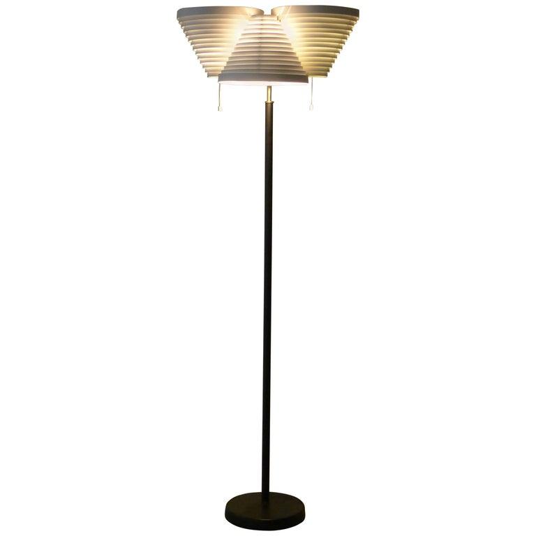 Alvar Aalto, Triple Angel Wing Floor Lamp, Stamped by Valaistustyo, 1950s