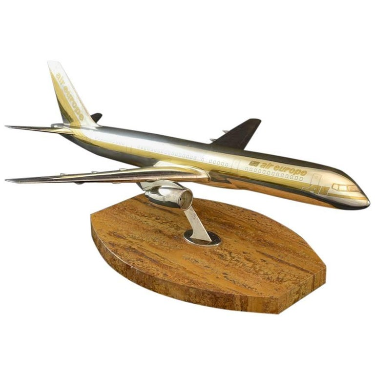 Scale Model Silver Boeing 757-200 Jet Liner by Garrard and Co c1984