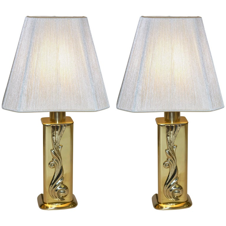 Lipparini 1960s Italian Vintage Pair of Gold Brass Lamps with White Silk Shades