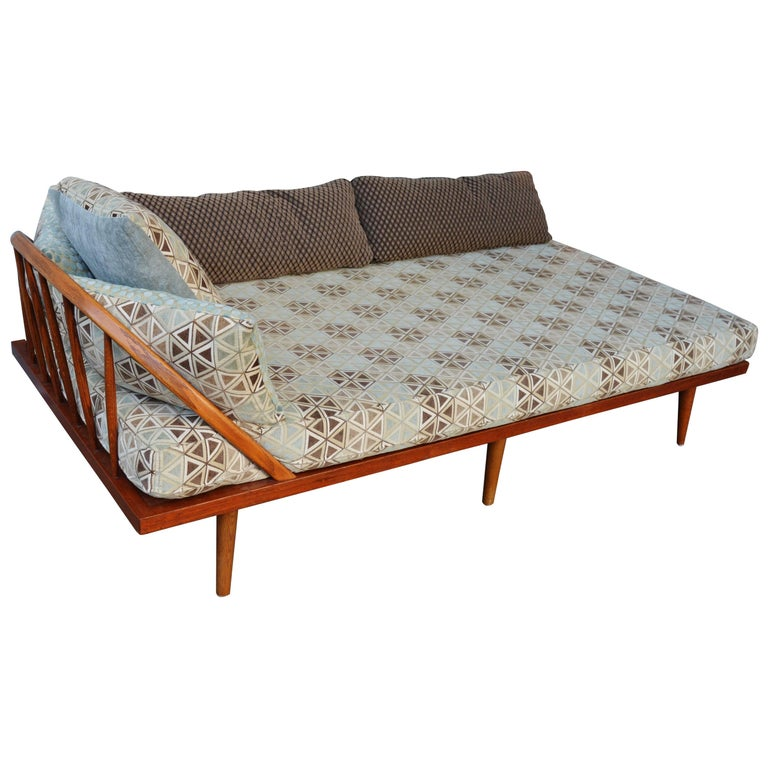 Danish Modern Teak & Oak Daybed/Sofa/Chaise/Guest Bed With Matching Pillows For Sale