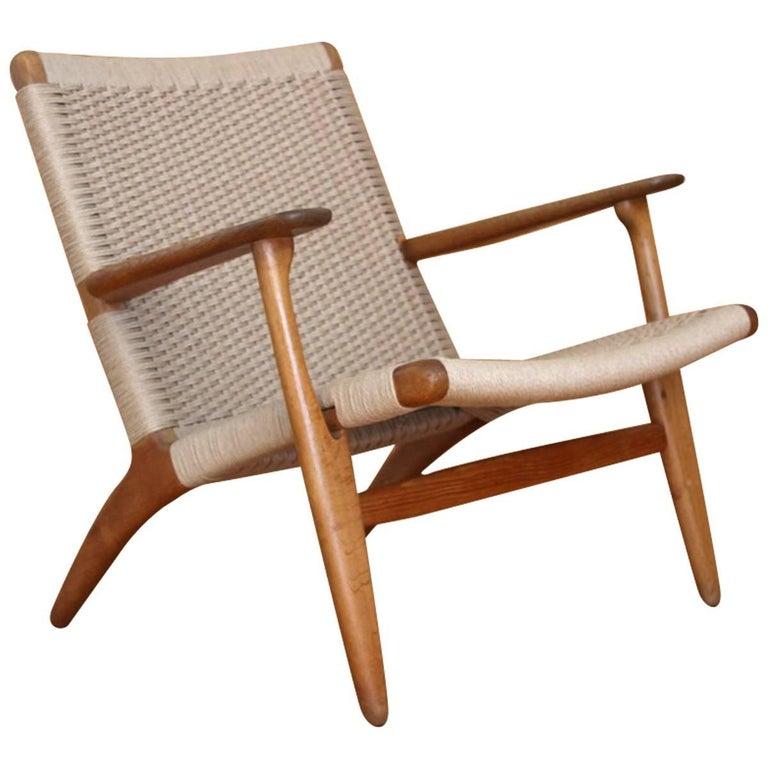 hans wegner oak lounge chair model ch25 carl hansen and son denmark for sale at 1stdibs. Black Bedroom Furniture Sets. Home Design Ideas