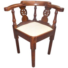 Georgian Walnut Child's or Lady's Carved Corner Chair