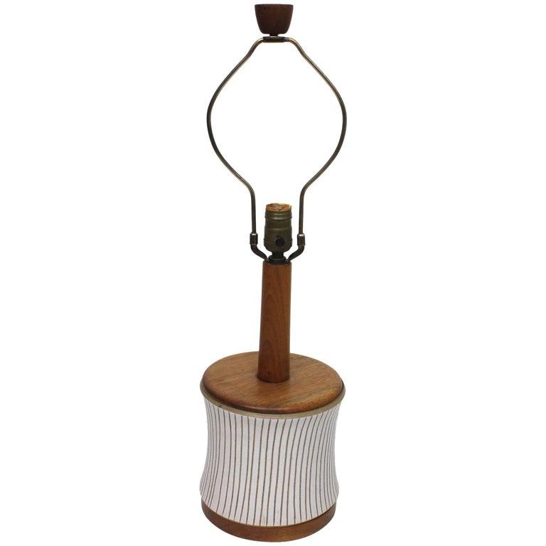 Vintage Martz Marshall Studios Mid-Century Modern White Ceramic Table Lamp