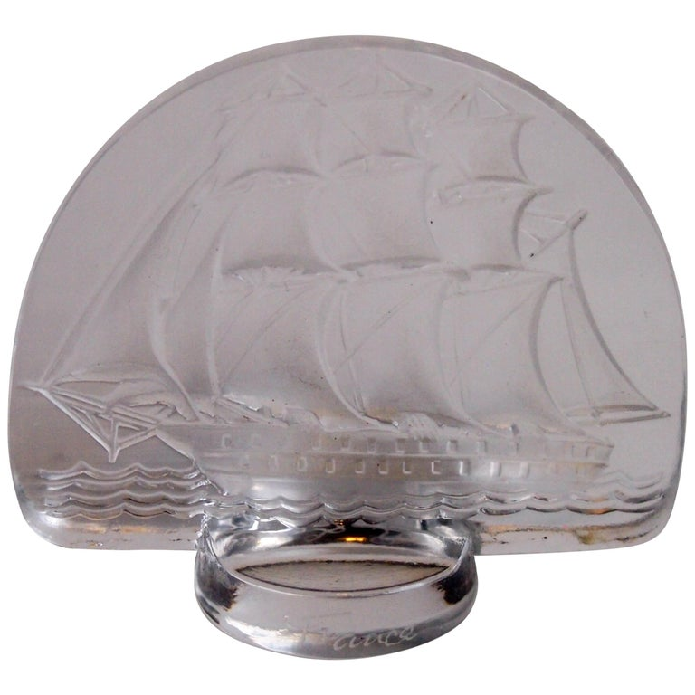 Rene Lalique Art Deco Caravelle Cachet For Sale