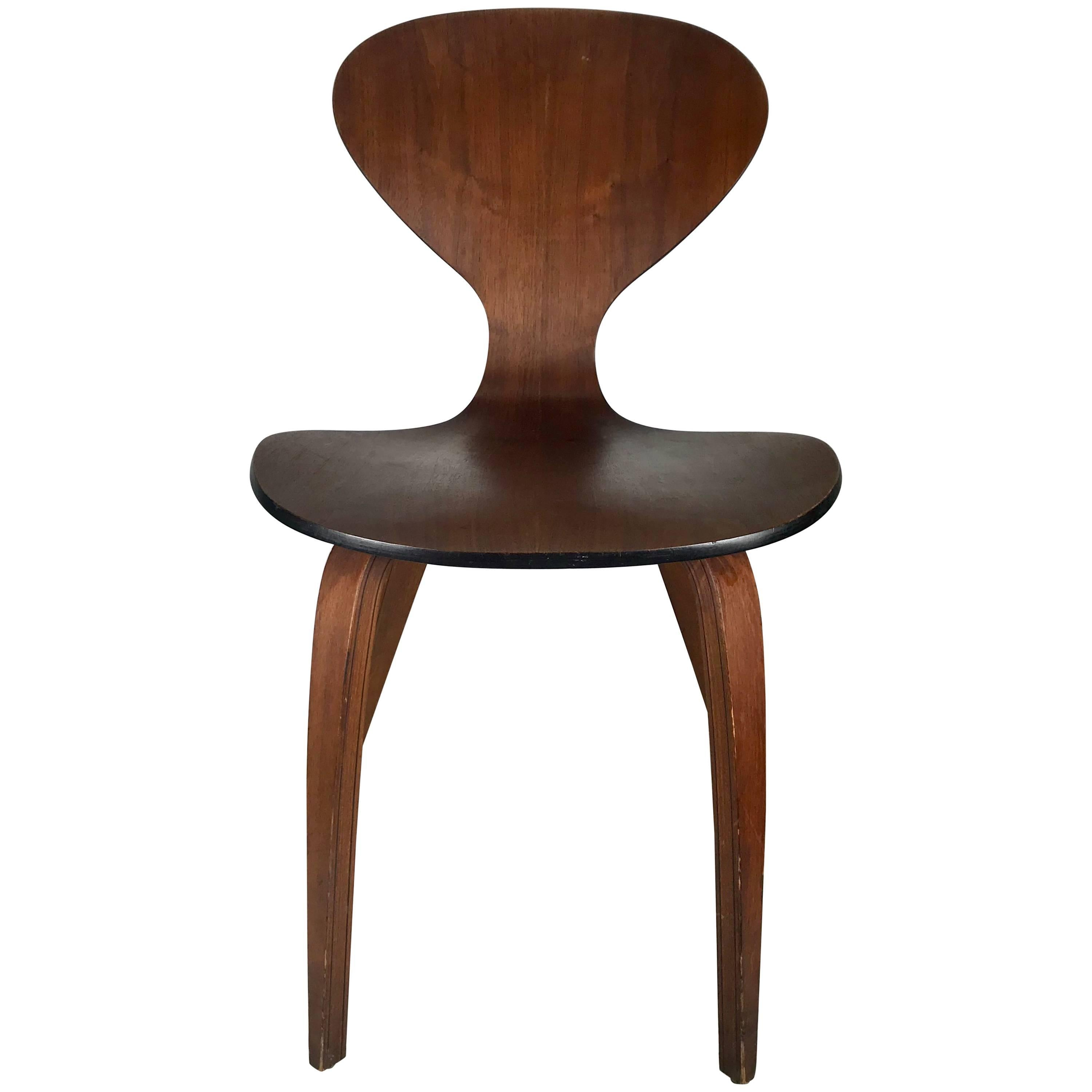 Classic Mid Century Modern Plywood Chair By Norman Cherner For Plycraft