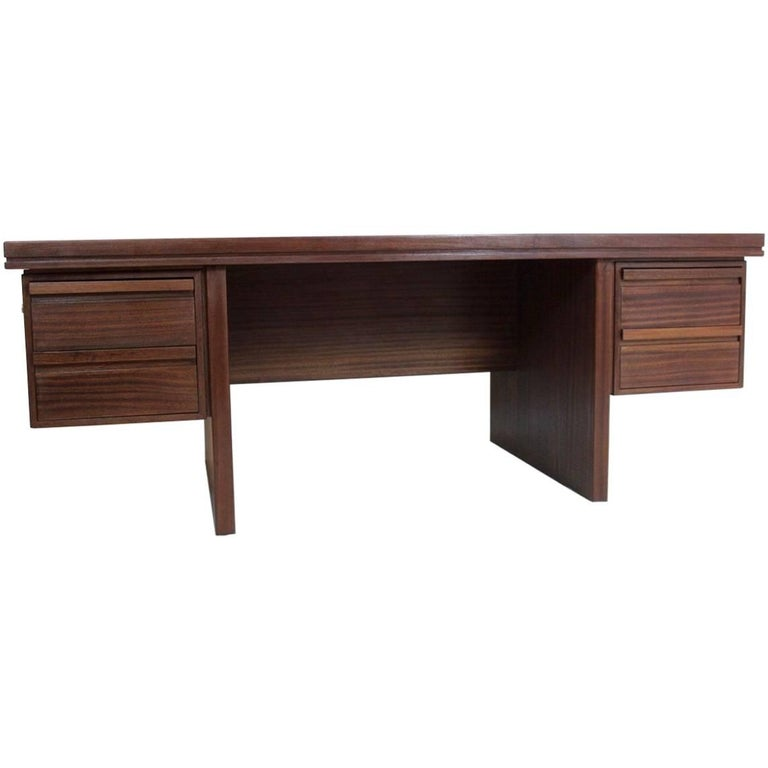 Dutch Executive Desk