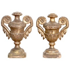 19th Century Pair of Hand Carved Giltwood Italian Porte Palm Altar Urns