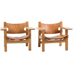 Pair of Spanish Chairs by Børge Mogensen for Fredericia Furniture