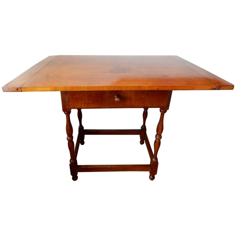 Late 19th Century Americana Cherry Wood Table/Writing Desk For Sale