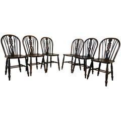 Set of Six Early Victorian Beech and Elm Wheel Back Kitchen Chairs
