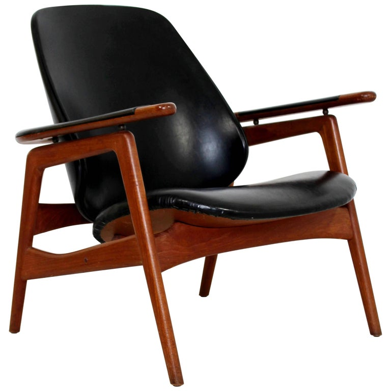 Mid-Century Modern Danish Black Vinyl & Teak Lounge Chair Arne Vodder Attributed