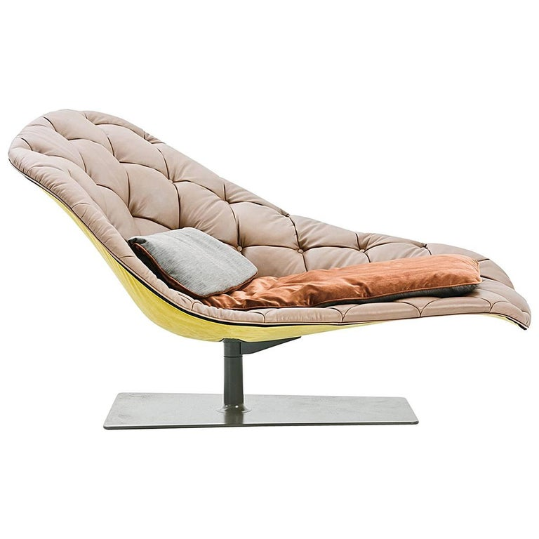 Moroso Bohemian Chaise Lounge in Tufted Leather by Patricia Urquiola