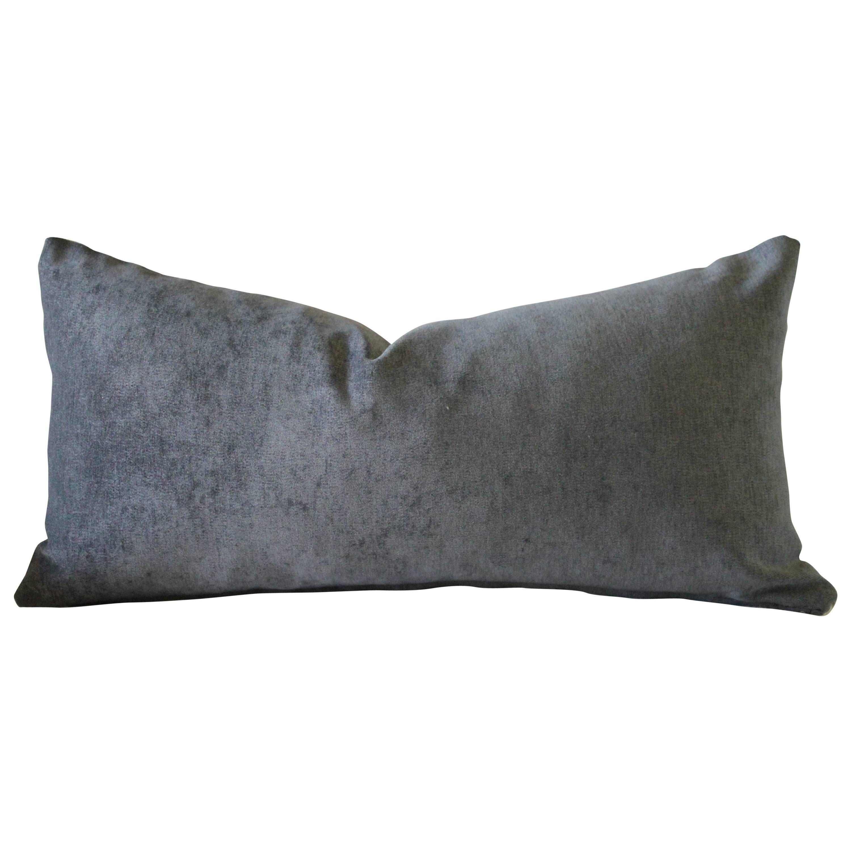 1059fc068f7de Velvet and Linen Accent Pillows For Sale at 1stdibs