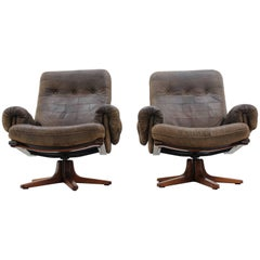 Pair of Scandinavian Design Leather Armchairs
