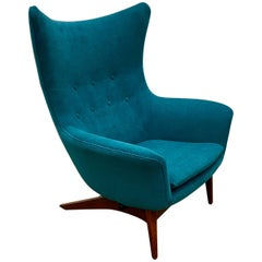 Reupholstered Model 207 Reclining Lounge Chair Designed by H.W. Klein