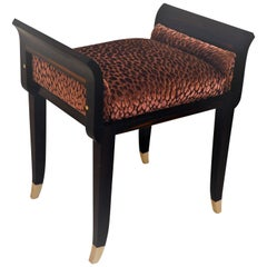 Art Deco Tabouret in Solid Ebony de Macassar .