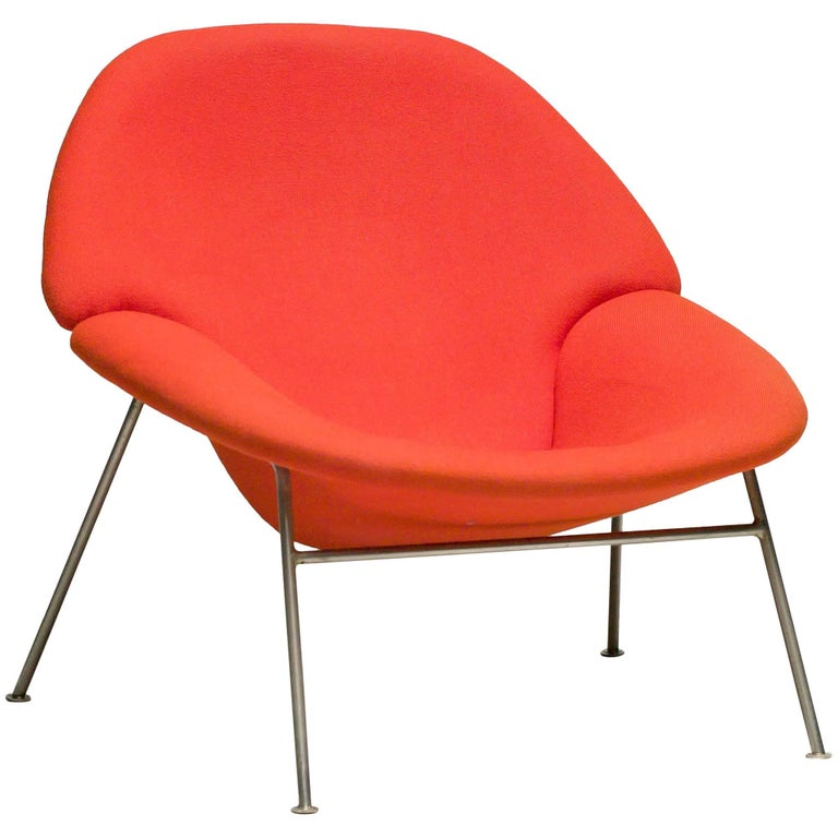 Pierre Paulin F555 Lounge Chair