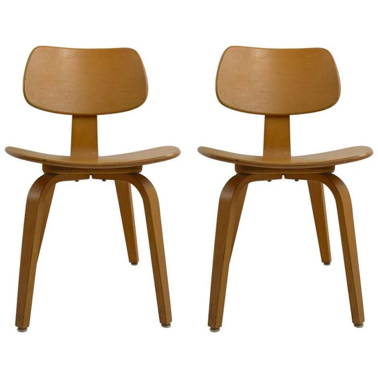 Pair of Thonet Mid Century Bentwood Chairs For Sale