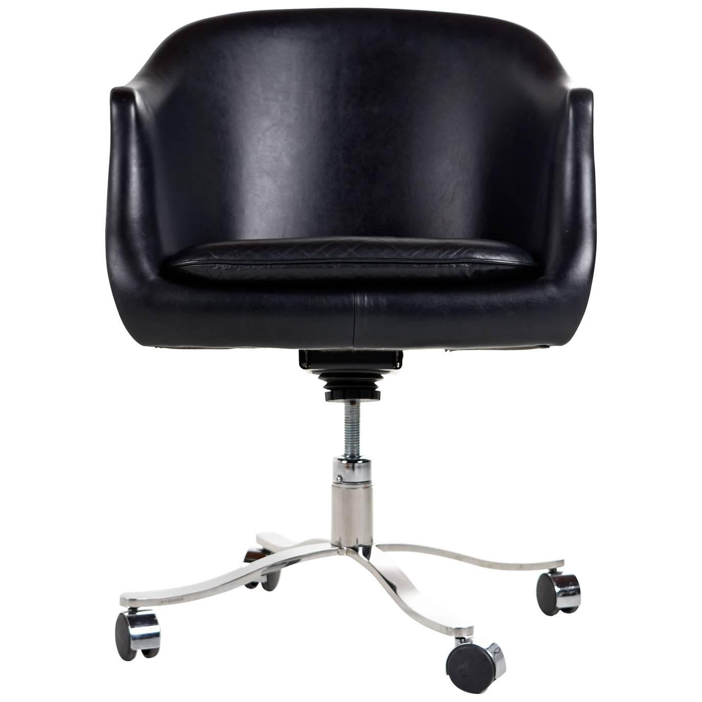 Vintage Nicos Zographos Black Leather and Chrome Base Bucket Chair on Casters For Sale  sc 1 st  1stDibs & Vintage Nicos Zographos Black Leather and Chrome Base Bucket Chair ...