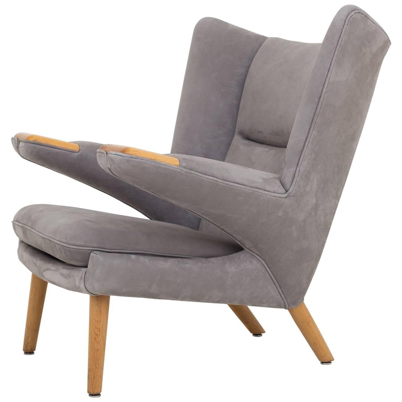 AP 69 Mega Papa Bear Chair by Hans J. Wegner.