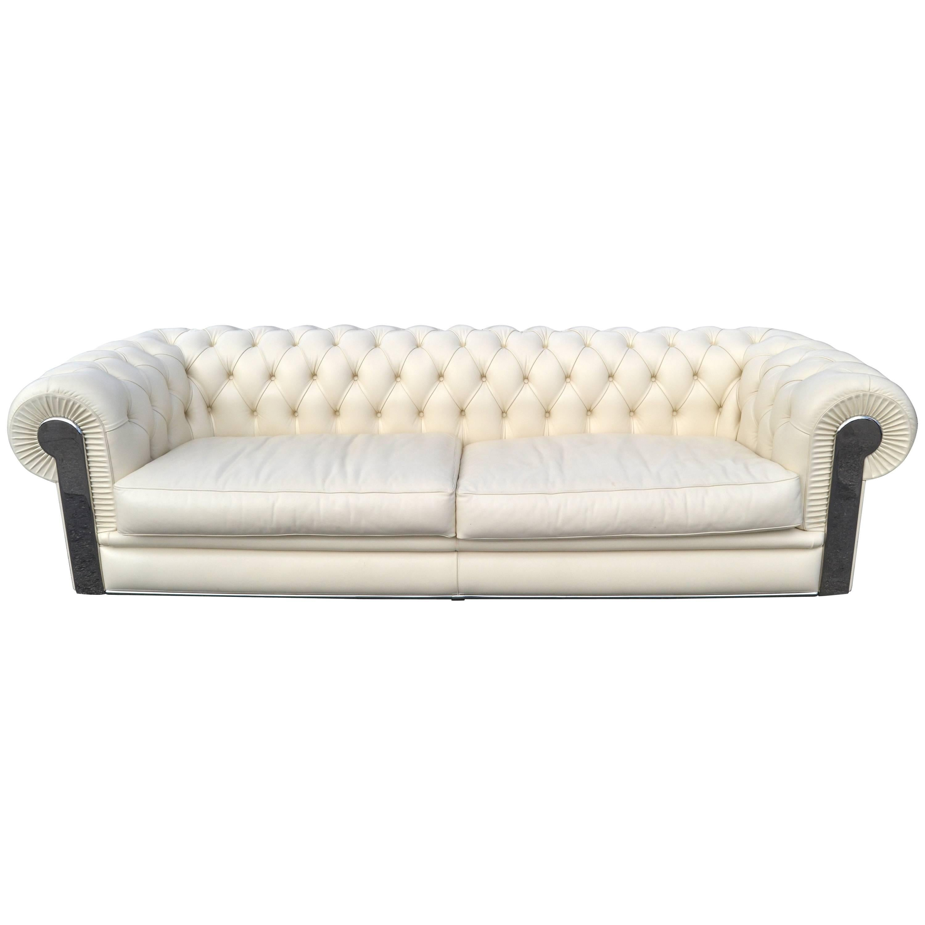 Superieur Fendi Casa Albino Tufted Leather Sofa In Chesterfield Style For Sale
