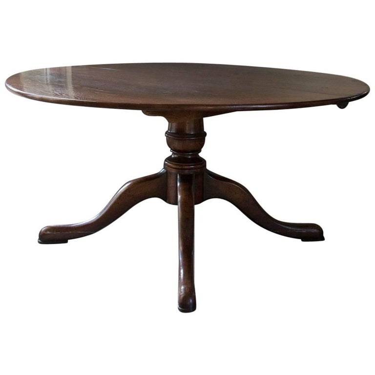 Beautiful walnut dining table snake foot antique quality for Beauty table for sale