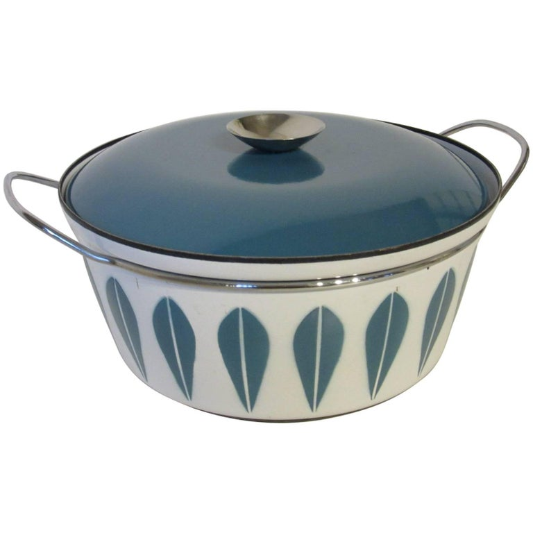 Cathrineholm Large Enamel Serving Bowl with Lid and Handles